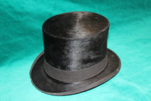 Beaver-skin hat. MWC Collection.