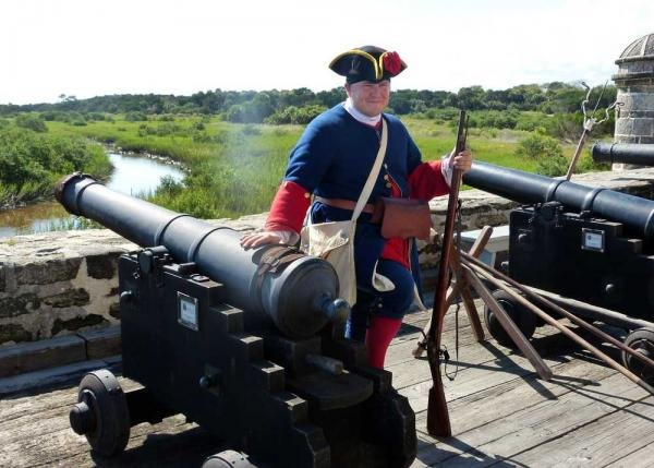 Spanish colonial cannon recreation.